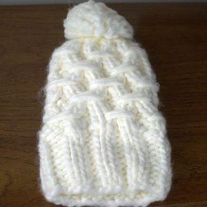 Forever 21 White Pompom Knit Beanie NWOT